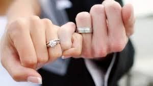 ANTI - MAINSTREAM Tindik Jari Untuk Gantikan Cincin Nikah, Ngilu banget!