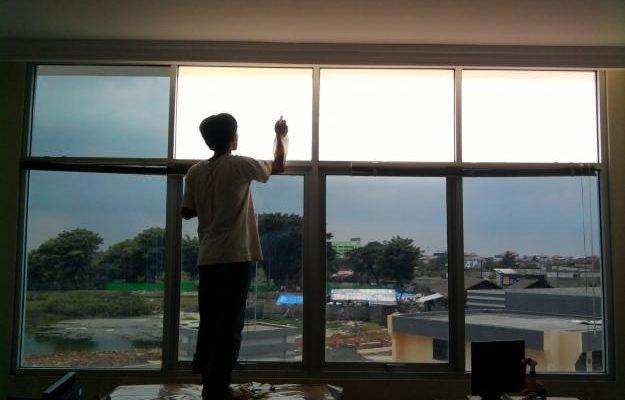 Cara Pemasang Kaca Film Rumah